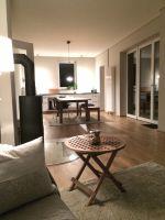 o-Innen-Wohnzimmer-abends